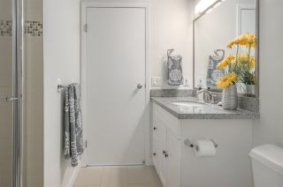 """Photo 18: 807 1188 HOWE Street in Vancouver: Downtown VW Condo for sale in """"1188 HOWE"""" (Vancouver West)  : MLS®# R2162667"""