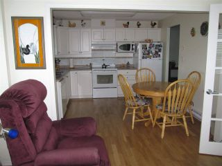 """Photo 8: 601 12148 224 Street in Maple Ridge: East Central Condo for sale in """"PANORAMA"""" : MLS®# R2158878"""