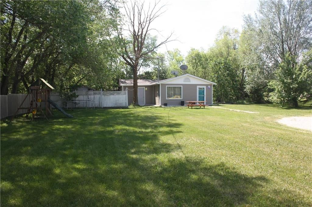 Main Photo: 90 Dawson Road in Richer: R06 Residential for sale : MLS®# 202115871