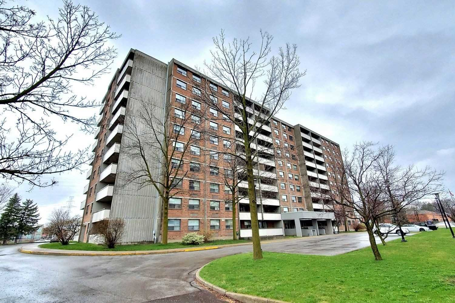 Main Photo: 801 20 William Roe Boulevard in Newmarket: Central Newmarket Condo for sale : MLS®# N4751984