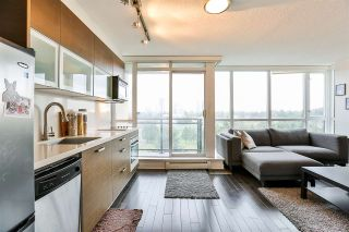 """Photo 3: 704 10777 UNIVERSITY Drive in Surrey: Whalley Condo for sale in """"CITY POINT TOWER 1"""" (North Surrey)  : MLS®# R2237495"""