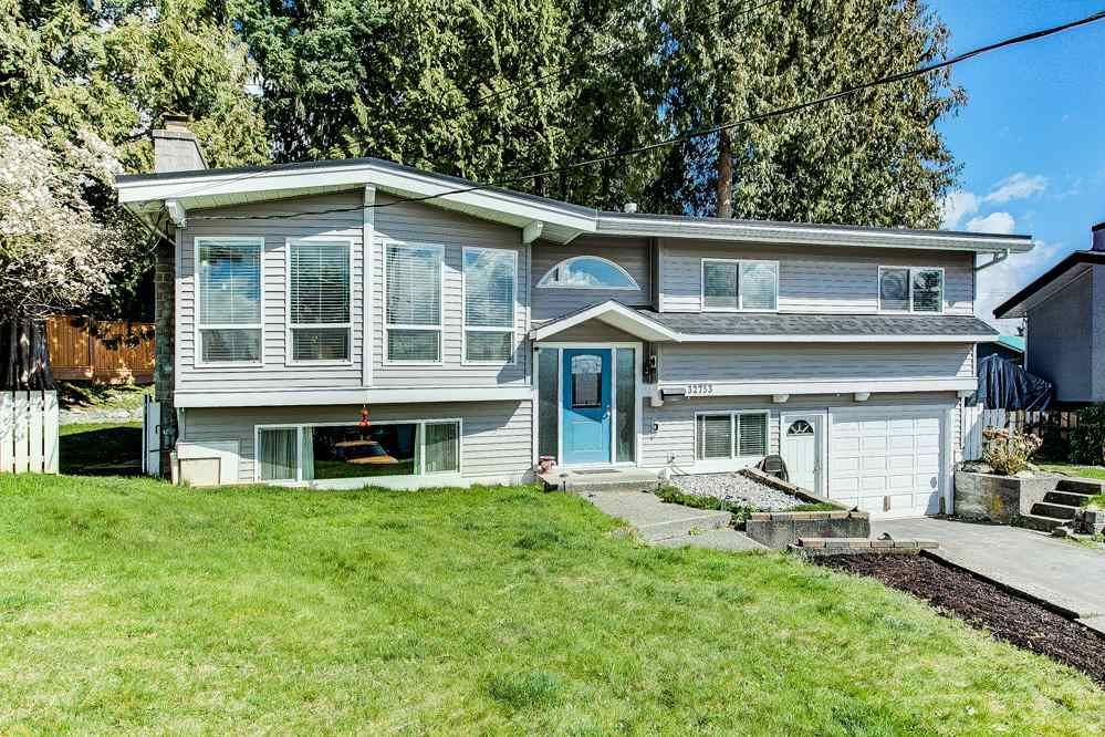 Main Photo: 32753 CRANE Avenue in Mission: Mission BC House for sale : MLS®# R2558461