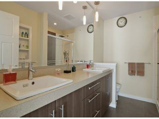 """Photo 8: 86 8250 209B Street in Langley: Willoughby Heights Townhouse for sale in """"OUTLOOK"""" : MLS®# F1404078"""