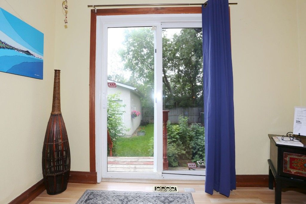 Photo 9: Photos: 834 Oakenwald Avenue in Winnipeg: Fort Garry Single Family Detached for sale (1J)  : MLS®# 1718606