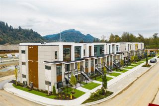 Photo 2: 114 46150 THOMAS Road in Chilliwack: Sardis East Vedder Rd Townhouse for sale (Sardis)  : MLS®# R2532976