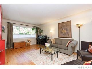 Photo 3: 1609 Chandler Ave in VICTORIA: Vi Fairfield East Half Duplex for sale (Victoria)  : MLS®# 744079