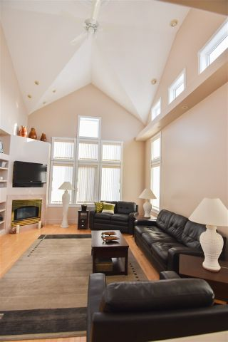Photo 4: 16115 57 Street in Edmonton: Zone 03 House for sale : MLS®# E4224780