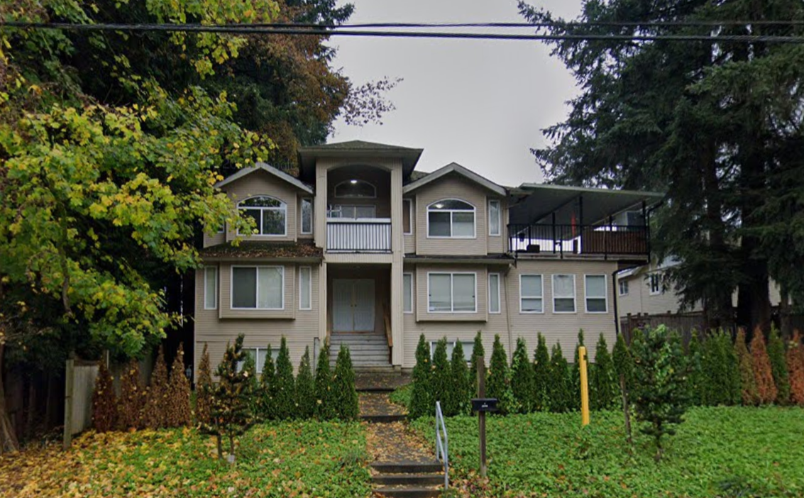Main Photo: 8863 King George Boulevard in surrey: House for sale (Surrey)
