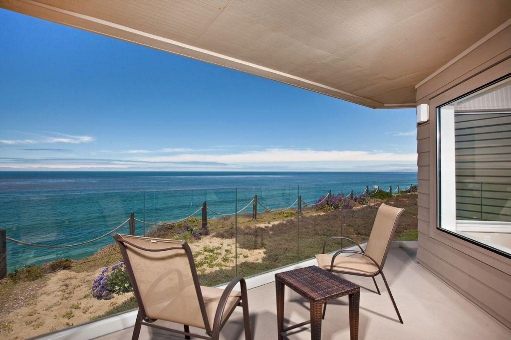 Main Photo: Condo  : 2 bedrooms :  in Solana Beach