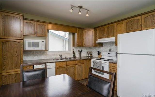 Photo 6: Photos: 11 Gretna Bay in Winnipeg: Meadowood Residential for sale (2E)  : MLS®# 1712947
