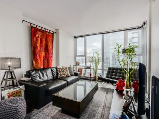 "Photo 4: 2306 131 REGIMENT Square in Vancouver: Downtown VW Condo for sale in ""SPECTRUM 3"" (Vancouver West)  : MLS®# R2019933"