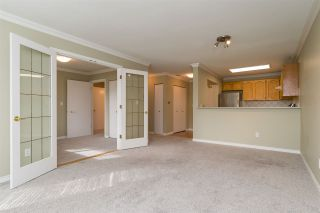 Photo 8: 105 13965 16 Avenue in Surrey: Sunnyside Park Surrey Condo for sale (South Surrey White Rock)  : MLS®# R2312080