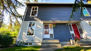 """Photo 3: 13 300 DECAIRE Street in Coquitlam: Maillardville Townhouse for sale in """"ROCHESTER ESTATES"""" : MLS®# R2607463"""