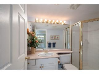 Photo 9: 304 220 NEWPORT Drive in Port Moody: North Shore Pt Moody Condo for sale : MLS®# V1089971