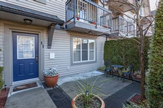 """Photo 3: 11 7733 TURNILL Street in Richmond: McLennan North Townhouse for sale in """"SOMERSET CRESCENT"""" : MLS®# R2025699"""