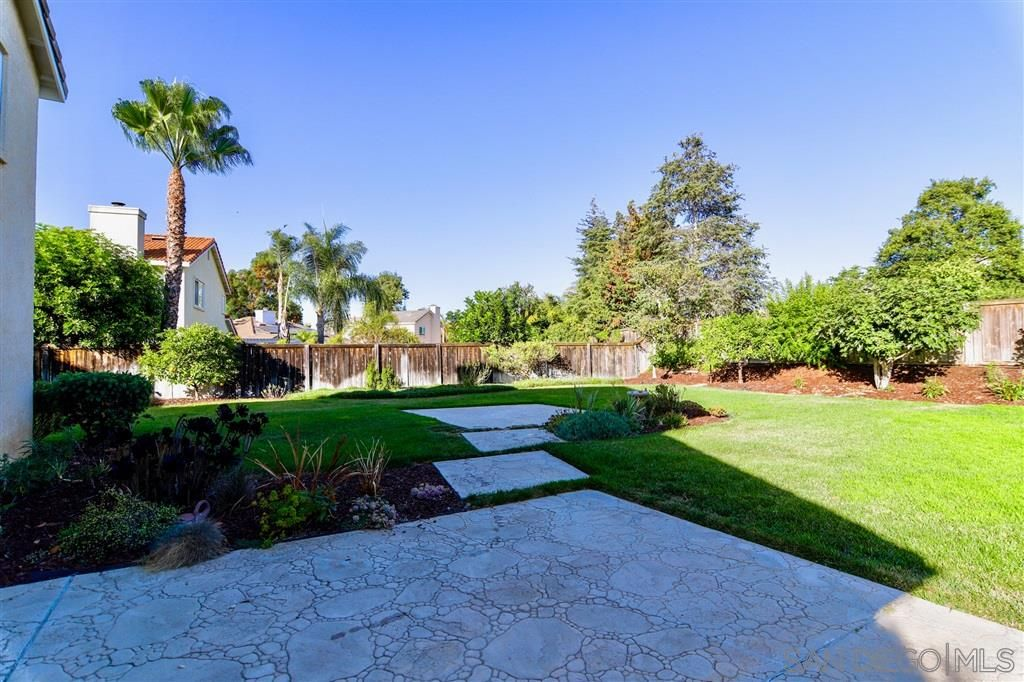 Photo 21: Photos: OCEANSIDE House for sale : 5 bedrooms : 5757 Spur Avenue