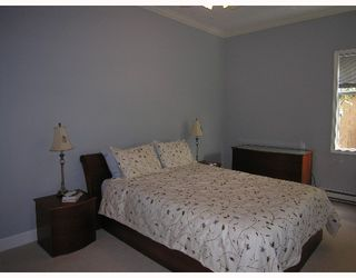 """Photo 5: 1620 BALSAM Street in Vancouver: Kitsilano Condo for sale in """"OLD KITS TOWNHOMES"""" (Vancouver West)  : MLS®# V641179"""