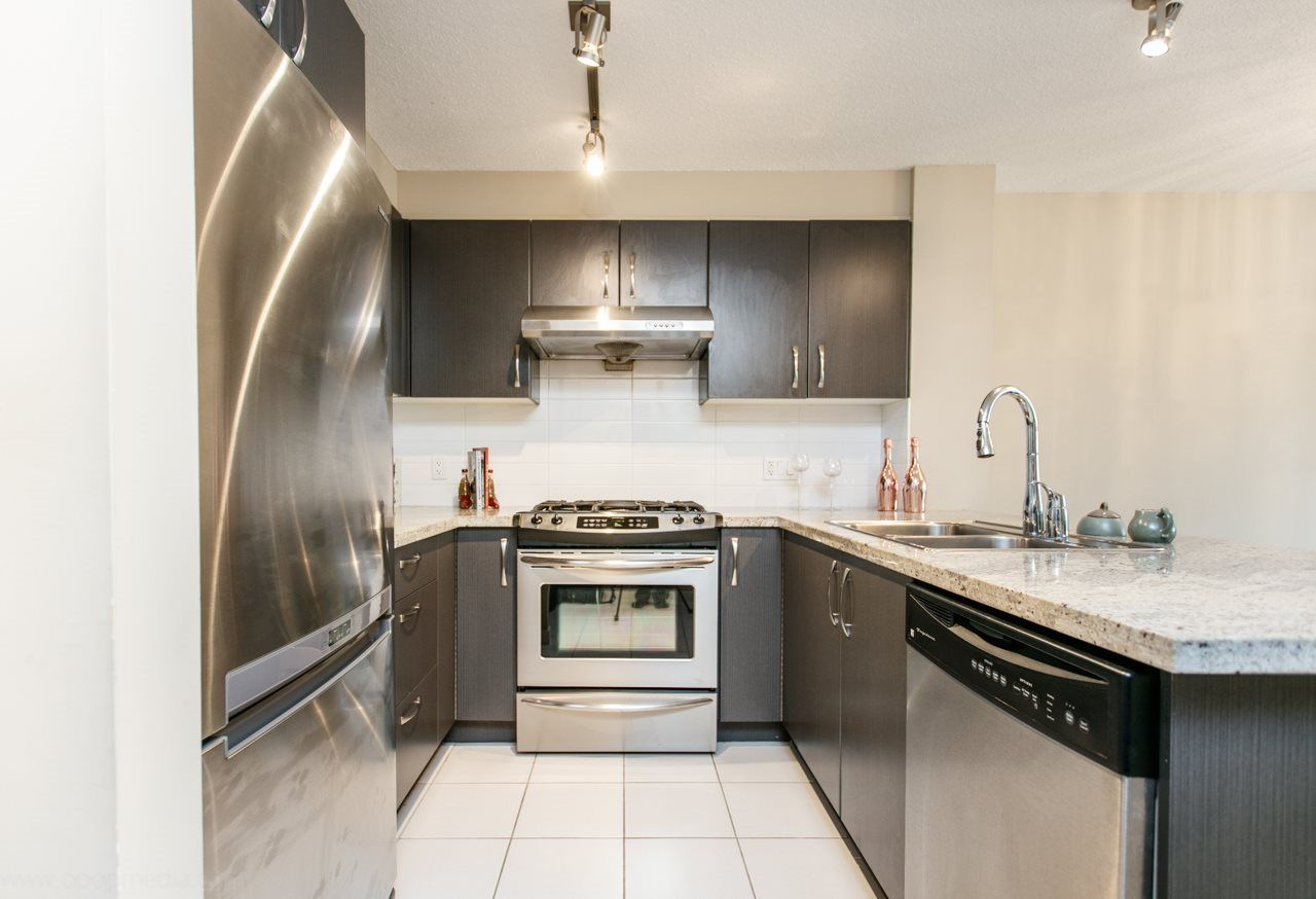 """Main Photo: 107 9199 TOMICKI Avenue in Richmond: West Cambie Condo for sale in """"MERIDIAN GATE"""" : MLS®# R2185974"""