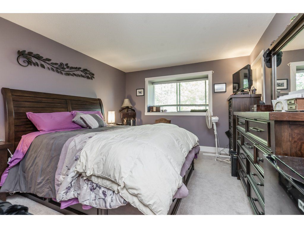 Photo 9: Photos: 33117 HILL Avenue in Mission: Mission BC House for sale : MLS®# R2271316