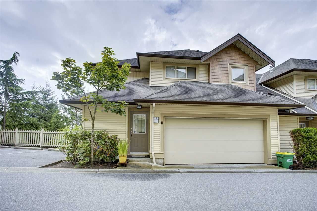 """Main Photo: 11 20350 68 Avenue in Langley: Willoughby Heights Townhouse for sale in """"SUNRIDGE"""" : MLS®# R2389347"""