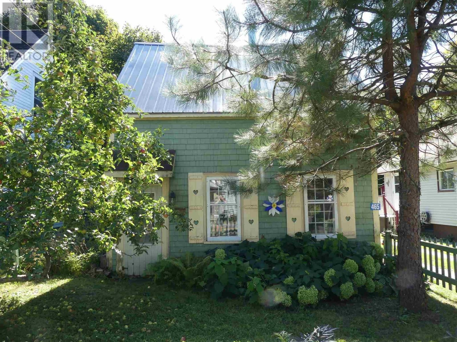 Main Photo: 465 MAIN Street in Liverpool: House for sale : MLS®# 202124233