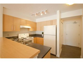 """Photo 3: 218 2768 CRANBERRY Drive in Vancouver: Kitsilano VW Condo for sale in """"ZYDECO"""" (Vancouver West)  : MLS®# V835905"""