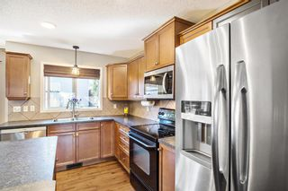 Photo 10: 744 PRESTWICK Circle SE in Calgary: McKenzie Towne Detached for sale : MLS®# A1024986