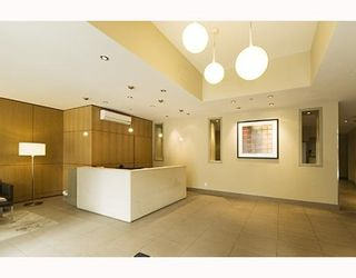 """Photo 2: 1202 1082 SEYMOUR Street in Vancouver: Downtown VW Condo for sale in """"FREESIA"""" (Vancouver West)  : MLS®# V797473"""