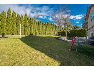 Photo 3: 2232 GUILFORD Drive in Abbotsford: Abbotsford East House for sale : MLS®# R2145802