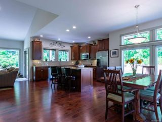 Photo 3: 116 303 Arden Rd in COURTENAY: CV Courtenay City House for sale (Comox Valley)  : MLS®# 816009