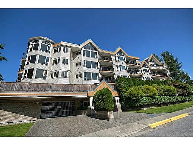 Main Photo: 207 11595 FRASER Street in Maple Ridge: East Central Condo for sale : MLS®# R2470598