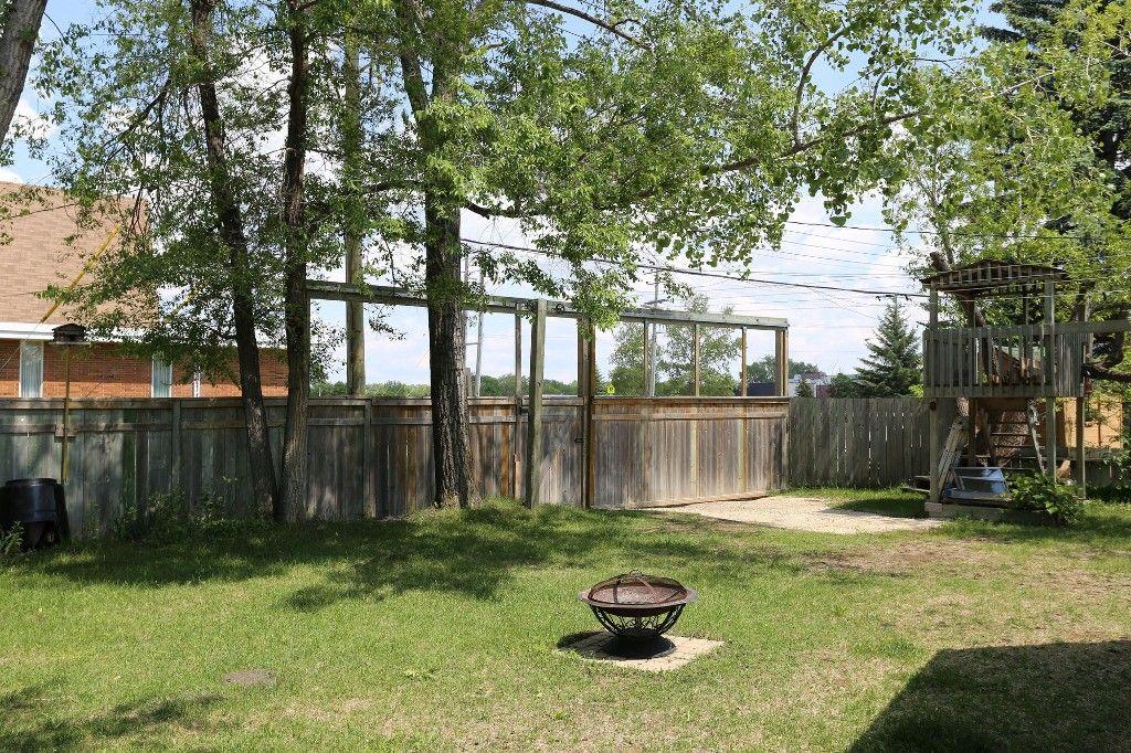 Photo 36: Photos: 105 Athlone Drive in Winnipeg: Grace Hospital Single Family Detached for sale (West Winnipeg)  : MLS®# 1516101