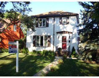 Photo 1: 256 CARPATHIA Road in WINNIPEG: River Heights / Tuxedo / Linden Woods Single Family Detached for sale (South Winnipeg)  : MLS®# 2715287