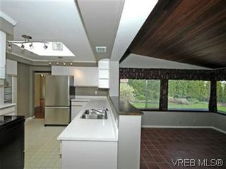 Photo 12: 4453 Casa Linda Dr in VICTORIA: SW Royal Oak House for sale (Saanich West)  : MLS®# 571417