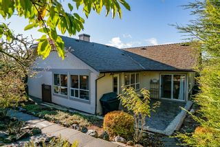 Photo 2: 3701 N Arbutus Dr in : ML Cobble Hill House for sale (Malahat & Area)  : MLS®# 861558