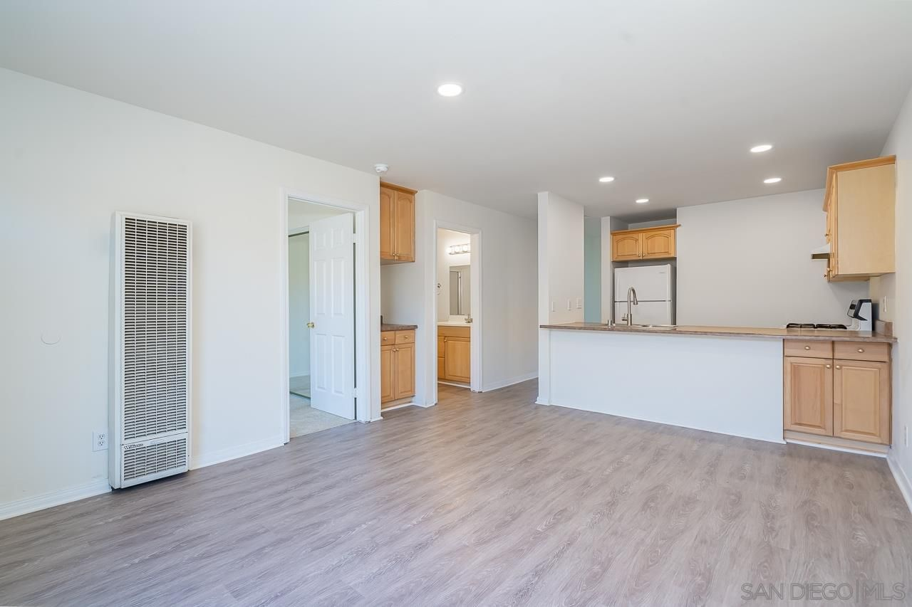 Main Photo: SAN DIEGO Condo for sale : 3 bedrooms : 239 50th St #37