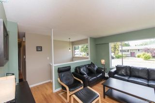 Photo 3: 542 Hallsor Dr in VICTORIA: Co Wishart North House for sale (Colwood)  : MLS®# 791609