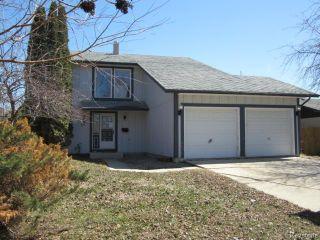 Photo 1: 58 Lakeglen Drive in WINNIPEG: Fort Garry / Whyte Ridge / St Norbert Residential for sale (South Winnipeg)  : MLS®# 1407605