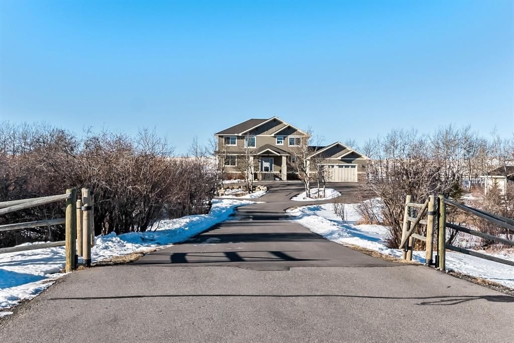 Main Photo: 402033 23 Street W: Rural Foothills County Detached for sale : MLS®# A1062078