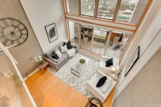 """Photo 9: 413 1529 W 6TH Avenue in Vancouver: False Creek Condo for sale in """"WSIX - South Granville Lofts"""" (Vancouver West)  : MLS®# R2435033"""