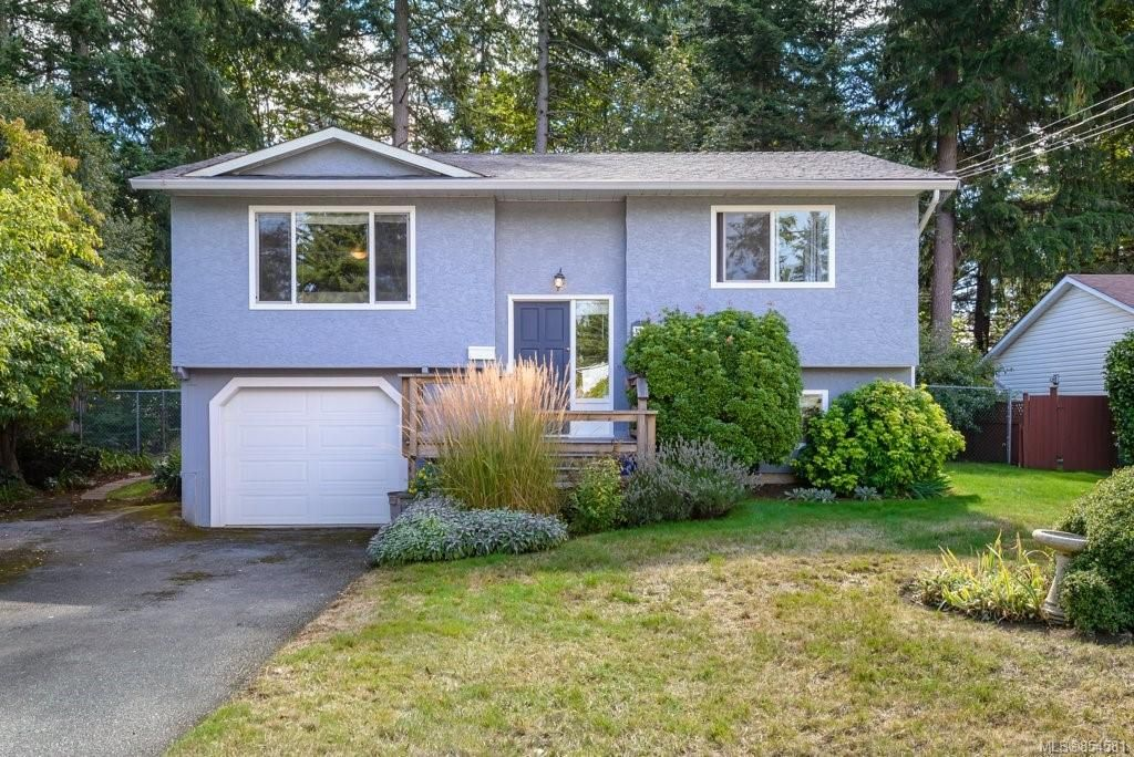 Main Photo: 315 Cortez Cres in : CV Comox (Town of) House for sale (Comox Valley)  : MLS®# 854581