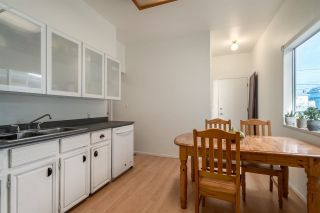 "Photo 14: 1049 E 13TH Avenue in Vancouver: Mount Pleasant VE House for sale in ""Mount Pleasant East"" (Vancouver East)  : MLS®# R2235012"