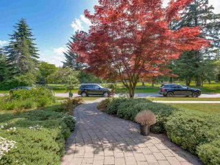 """Photo 2: 4935 W COLLEGE HIGHROAD Avenue in Vancouver: University VW House for sale in """"Little Australia"""" (Vancouver West)  : MLS®# R2547740"""