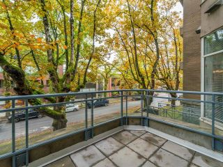 """Photo 11: 107 2628 ASH Street in Vancouver: Fairview VW Condo for sale in """"Cambridge Gardens"""" (Vancouver West)  : MLS®# R2626002"""