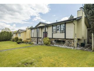 """Photo 3: 19558 64 Avenue in Surrey: Clayton House for sale in """"Bakerview"""" (Cloverdale)  : MLS®# R2575941"""