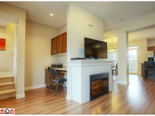 """Photo 7: 26 6036 164TH Street in SURREY: Cloverdale BC Townhouse for sale in """"ARBOUR VILLAGE"""" (Cloverdale)  : MLS®# F1202711"""