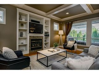 """Photo 3: 11250 TULLY Crescent in Pitt Meadows: South Meadows House for sale in """"BONSON LANDING"""" : MLS®# R2408277"""