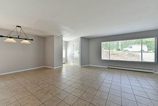 Photo 3: 1146 HOWSE Place in Coquitlam: Central Coquitlam House for sale : MLS®# R2193258
