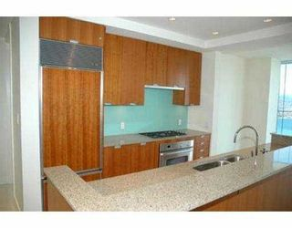 """Photo 7: 2704 1077 W CORDOVA ST in Vancouver: Coal Harbour Condo for sale in """"SHAW TOWER"""" (Vancouver West)  : MLS®# V537380"""