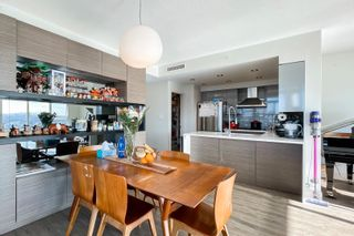 """Photo 8: 2505 1483 HOMER Street in Vancouver: Yaletown Condo for sale in """"THE WATERFORD BY CONCORD PACIFIC"""" (Vancouver West)  : MLS®# R2625455"""